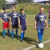 Mandag starter en ny fodboldturnering, hvor asylansøgere fra fem forskellige centre skal dyste mod hinanden. Spillerne har trænet siden starten af juni og er nu klar til at begynde kampene. Foto: Per Bjerregaard