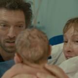 Vincent Cassel og Emmanuelle Bercot med kærlighedsbarn i »Mon Roi«. PR-foto