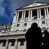 Efter frygt for konsekvenserne af Brexit, er den britiske rente sænket til laveste niveau nogensinde. En yderligere rentenedsættelse fra Bank of England kan være på vej, siger analytikere.