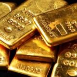 »Investorerne bliver ved med at hælde penge i guld, da der er stigende frygt for de globale økonomiske udsigter samt politisk usikkerhed,« siger analytiker Wu Zhili fra Shenhua Futures Co. i Shenzhen til Bloomberg News.