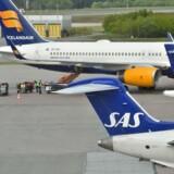 Mandag er 40 flyafgange blevet aflyst, og også tirsdag vil fly blive på jorden, oplyser SAS.