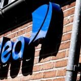 To finanshuse har torsdag valgt at droppe deres købsanbefaling af aktien i Nordea.
