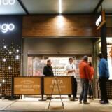 AmazonGo i Seattle har allerede slået dørene op for egen medarbejdere. Når testperioden er slut i starten af 2017, vil supermarkedet blive åbnet for alle andre.