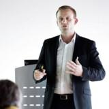 Søren Løntoft Hansen fra Sydbank hæver sit topsalgsestimat for Brintellix fra 7 mia. kr. til godt 8 mia. kr.