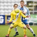 ALKA Superliga OB - Lyngby Ewii Park 6. november 2016 Lyngbys dobbelte målscorer Jeppe Kjær (15) med OBs Jeppe Tverskov (6) på nakken