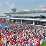 Ceremoni 1. juli i forbindelse med åbningen af en ny terminal i lufthavnen i Pyongyang.