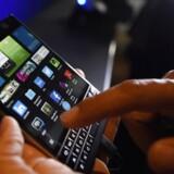 Blackberrys telefoner sælger stadig ikke bedre trods gode anmeldelser. Det koster endnu 200 jobbet. Arkivfoto: Aaron Harris, Reuters/Scanpix