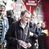Danmarks Lærerforenings negative holdning over for folkeskolereformen har besværliggjort reformens succes, siger flere S- og V-politikere. Uforskammet kritik, replicerer lærernes formand, Anders Bondo Christensen.