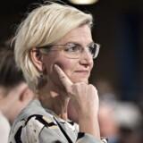 Ulla Tørnæs overtog for nyligt posten som uddannelses- og forskningsminister. Hun vil nu se på, om SUen skal omlægges til en låneordning på kandidatuddannelserne.