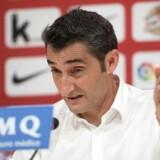 Den spanske fodboldklub FC Barcelona får Ernesto Valverde som cheftræner fra næste sæson. Den nuværende Athletic Bilbao-træner afløser Luis Enrique.