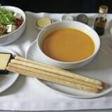 Både mad og drikke er blevet en del af oplevelsen, når vi skal ud at flyve.