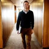 Anders Fogstrup, adm. direktør for medicinalfirmaet Norpharma-Mundipharma i Norden, insisterede på at tage en måneds forældreorlov, selv om hans daværende chef var imod. Anders Fogstrup mener, at ledelsen skal gå forrest og vise vejen.