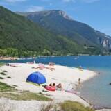 Lago di Ledro regnes for den reneste sø i Trentino. Desuden ligger den idyllisk mellem granbevoksede bjerge på næsten to kilometers højde.