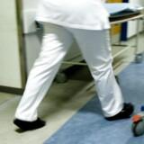Masser af patienter udebliver fra ambulante behandlinger på landets sygehuse, hvilket koster millioner af kroner og spilder personalets tid. En ordning, hvor patienterne bliver mindet om deres aftale pr. SMS har vist sig som en succes, der nedbringer antallet af udebliverlser markant.