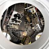 Vindmøllefabrikken Siemens er ved Retten i Aalborg blevet dømt til at betale knap en million kroner i erstatning til tre medarbejdere, der blev syge af arbejdet. Arkivfoto.