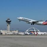 American Airlines dropper at handle med Airbus og køber i stedet fly hos Boeing. Her er det netop et Boing 737-800 fly, der letter i Los Angeles.