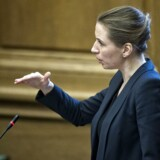 Justitsminister Mette Frederiksen (S) mangler en departementschef. I et jobopslag understreges det, at vedkommende skal overholde sandhedspligten og være en medspiller for Folketinget. Det er nyt.