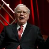 Warren Buffett, der er blandt verdens rigeste mennesker, har tjent godt på sine investeringer i selskaber, der produceret fysiske varer, mens resultatet fra investeringer i værdipapirer blev fordoblet til 1,9 milliarder dollar.