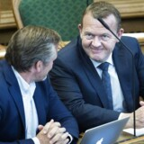 Statsminister Lars Løkke Rasmussen (th) i samtale med Anders Samuelsen, Liberal Alliance under Folketingets åbningsdebat torsdag 8. oktober 2015.