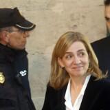 Det spanske kongehus må for første gang nogensinde se et af sine medlemmer sigtet i en straffesag. Kong Juan Carlos' yngste datter, Cristina, er sigtet for skattesvig og hvidvask af penge som medskyldig i manden Iñaki Urdangarins angivelige gigantsvindel med offentlige midler.