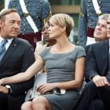 Parret Frank & Claire Underwood er indbegrebet af politisk kynisme. Til højre i billedet ses stabschefen Doug Stamper, der er lige så nådesløs som Frank.