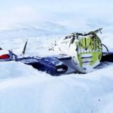 Privatflyet af mærket Piaggio, der i 2009 måtte nødlande på Grønlands indlandsis syd for Søndre Strømfjord, fordi flyet løb tør for brændstof. Flyet blev smadret, og piloten overlevede kun ved et rent held, fordi flyets forende mirakuløst kurede hen ad isen. Foto: Havarikommissionen