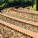 Der er penge nok til at gennemføre den store milliardindsprøjtning i det danske tognet, fastholder to ministre.