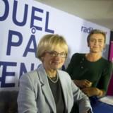 Der er gået sport i den politiske debat, siger ekspert. Her er det Pia Kjærsgaard (DF) Margrethe Vestager (R) til valg-duel i Tønder torsdag aften.