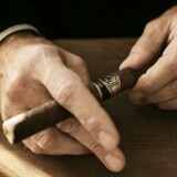 En bitter og næsten tyve år lang retsstrid om varemærket til verdens måske mest eksklusive cigarer »Cohiba« lægger stadig beslag på juristerne i Scandinavian Tobacco Group og kan koste selskabet millioner.