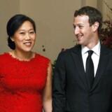 Facebook-stifteren Mark Zuckerberg vil resten af sit liv donere 99 procent af sine aktier i Facebook til velgørenhed, siger han. Det oplyser Facebook-ejeren selv i et åbent brev til sin nyfødte datter, som han har skrevet sammen med sin kone Priscilla Chan.Ifølge Forbes har han på nuværende tidpsunkt en formue på 46,8 milliarder dollar.