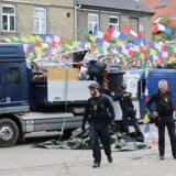 ARKIVFOTO: Politiet er torsdag eftermiddag blevet overfaldet af op mod 100 personer på Christiania. Seks betjente blev ramt af sten, og en af dem måtte på skadestuen.