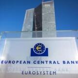 Det nuværende opkøbsprogram med månedlige opkøb af obligationer for 80 mia. euro udløber til marts 2017, men vil blive forlænget i perioden april til og med december.