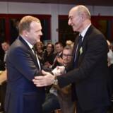 Statsminister Lars Løkke Rasmussen (V) hilser på Dan Uzans far, Sergeot Uzan, kort efter at Dan Uzan er blevet kåret som Årets Dansker 2015 af Berlingske Media. Tirsdag 8. december 2016.