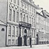 Det Gule Palæ i Amaliegade, som i 1764 blev opført af slavehandleren Frederik Bargum. Ca. 1890. Foto: Før og nu, 2. årg.