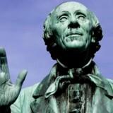 Statue af eventyrdigteren H.C. Andersen i Kongens Have.