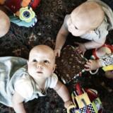 """Siden januar har par og enlige stået i kø hos den såkaldte """"fertilitetsrådgivning"""" for at få talt æg eller vurderet sædkvalitet og for at blive vejledt i, hvornår det er tid til børn. Rådgivningen skal gøre opmærksom på, at det kan være en god idé at starte """"projekt barn"""" tidligt, men mange bruger i stedet vurderingen til at få svar på, hvor længe de kan vente."""