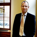 Henrik Ramlau-Hansen fratræder som økonomidirektør i Danske Bank pr. 1. april 2016.