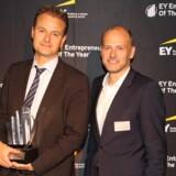 Dette års EY Entrepreneur Of The Year på Fyn, Kåre Groes Christiansen, CEO, Odense Maritime Technology A/S, samt Brian Skovhus Jakobsen, Partner i EY og regionsansvarlig (th).