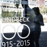 Lundbecks aktie dykker fælt fredag morgen efter et mislykket studie med et potentielt Alzheimers-middel.