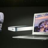 Googles to Chrome OS-PCer fra Samsung, Chromebook og Chromebox, kan nu købes i en almindelig butik og være et alternativ til Windows og Mac. Her viser Googles Chrome-chef, Sundar Pichai, nyhederne frem på Googles udviklerkonference i San Francisco, USA. Foto: Kimihiro Hoshino, AFP/Scanpix