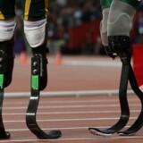 Össur er specialister i benproteser som f.eks. dem til højre på billedet. Med opkøbet af Touch Bionics kommer man også ind på markedet for armproteser. Arkivfoto: Eddie Keogh/Reuters