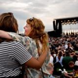 Lørdag nat sendte bandet Suspekt de sidste musikalske toner ud fra Strandscenen i Tisvildeleje.  Foto: Linda Kastrup