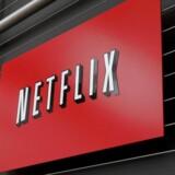 Det amerikanske streamingselskab Netflix styrtdykkede i eftermarkedet mandag, hvor et ellers godt regnskab blev skæmmet af svage forventninger til kundevækst i udlandet.