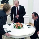 Tysklands kansler, Angela Merkel, og Frankrigs præsident, Francois Hollande, mødtes fredag med den russiske præsident Vladimir Putin for at tale om den eskalerede konflikt i Ukraine. Mødet endte dog ikke med nogen løsning.