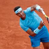 Rafael Nadal skulle som ventet kun bruge tre sæt til at sende Simone Bolelli ud af French Open. Christian Hartmann/Reuters