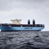 A.P. Møller - Mærsks andet containerskib i Triple-E serien »Majestic Maersk« runder Kronborg og Helsingør-Helsingborg-færgerne.