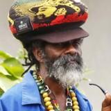 En jamaicansk rastafari glæder sig over legaliseringen af marihuana.