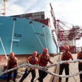 Det er en kombination af overkapacitet på containermarkedet, chokerende lave fragtrater samt de lave oliepriser, der har fået analysehuset Drewry til at skrue ned for sin optimisme omkring aktierne A.P. Møller-Mærsk.