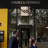 Siden sidste år er summen af lån med risiko for manglende betaling i Grækenland steget med 52 milliarder euro. Det betyder, at landets fire største banker nu mangler 100 milliarder for at hænge sammen.