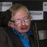 Den britiske fysiker Stephen Hawking har sammen med en russisk rigmand lanceret et projekt til knap 700 millioner kroner, der skal lede efter intelligent liv i universet.